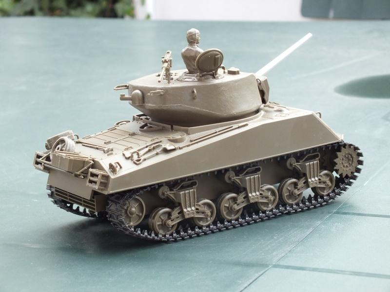 Sherman A3E2  Tamiya 1/35 et canon alu Rb models.  (Patine en cours) - Page 2 Dscf7217