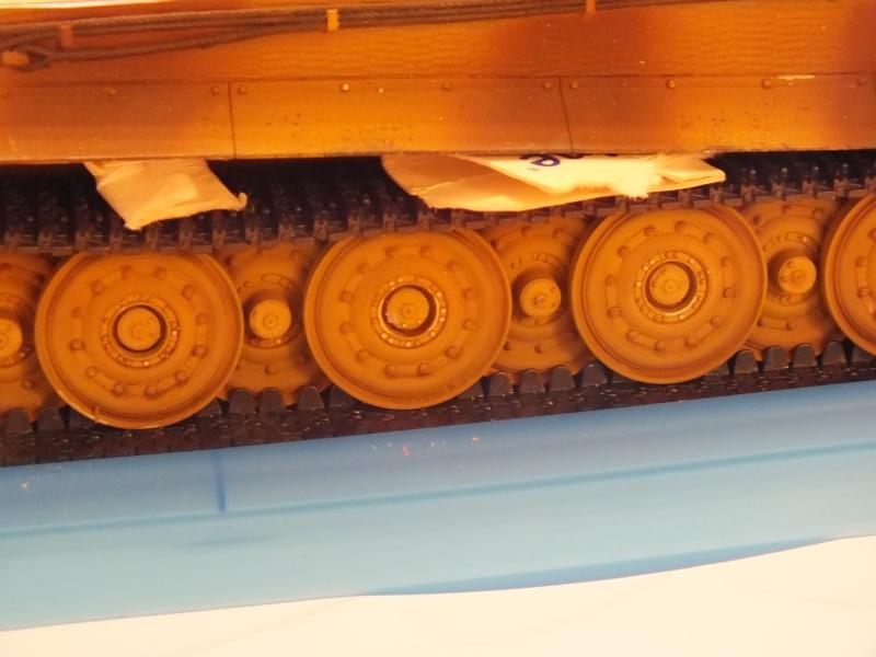 Tiger I Late version ,tamiya 1/35 (début de patine) - Page 3 Dscf7236