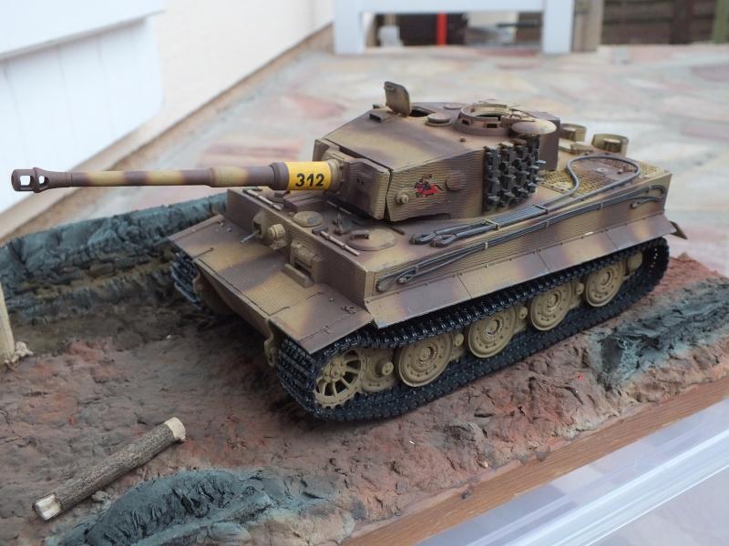 Tiger I Late version ,tamiya 1/35 (début de patine) - Page 3 Dscf7238