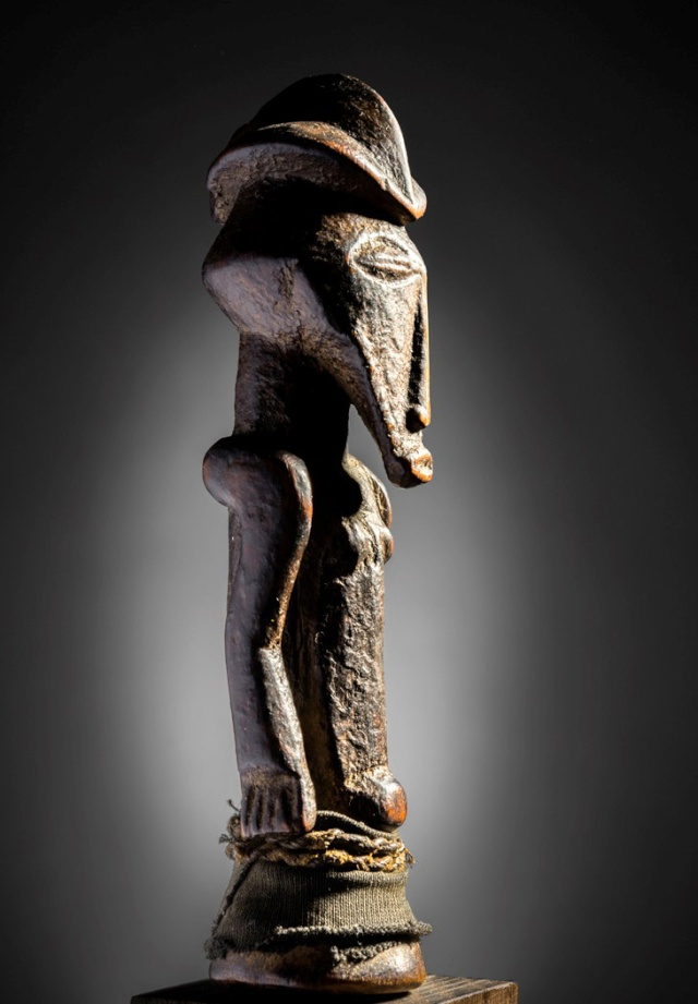 Basikasingo, (pre-Bembe/Buyo) people, Milindi ya Batee/ Banya, (Statuette des sorciers/guérrisseurs), Région de Lulenge, Lac Tanganyika, Congo Basika10