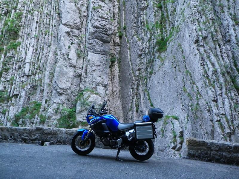 Vos plus belles photos de moto - Page 38 Imgp0110