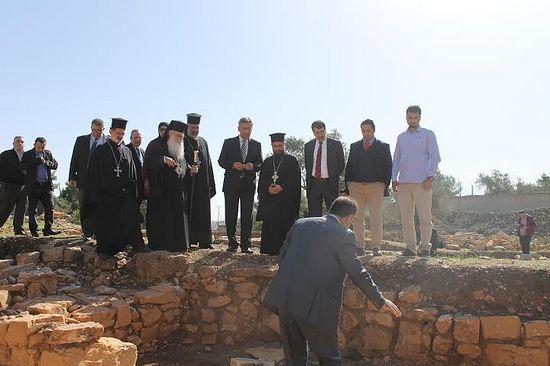 Découverte de la tombe de Saint Étienne, le premier martyr, à Ramallah A_isra10