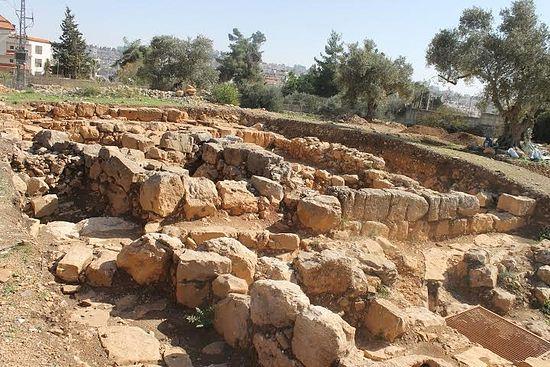 Découverte de la tombe de Saint Étienne, le premier martyr, à Ramallah Aisrae10