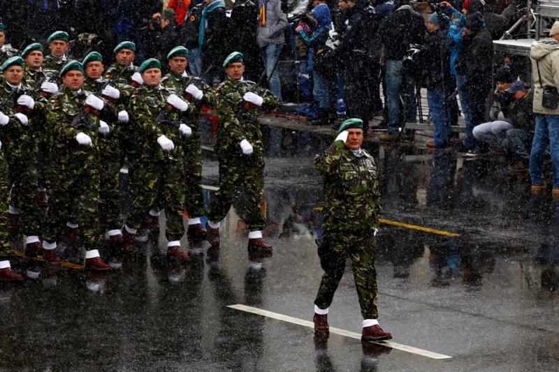 Armée Roumaine/Romanian Armed Forces/Forţele Armate Române - Page 7 2212