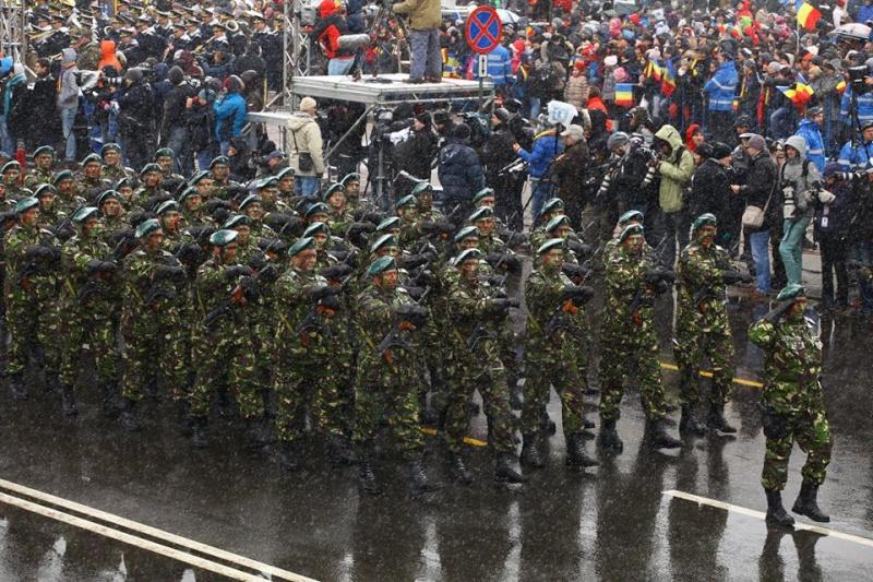 Armée Roumaine/Romanian Armed Forces/Forţele Armate Române - Page 7 2312