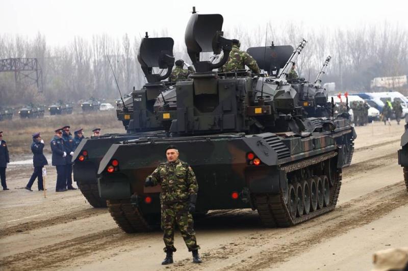 Armée Roumaine/Romanian Armed Forces/Forţele Armate Române - Page 7 3210