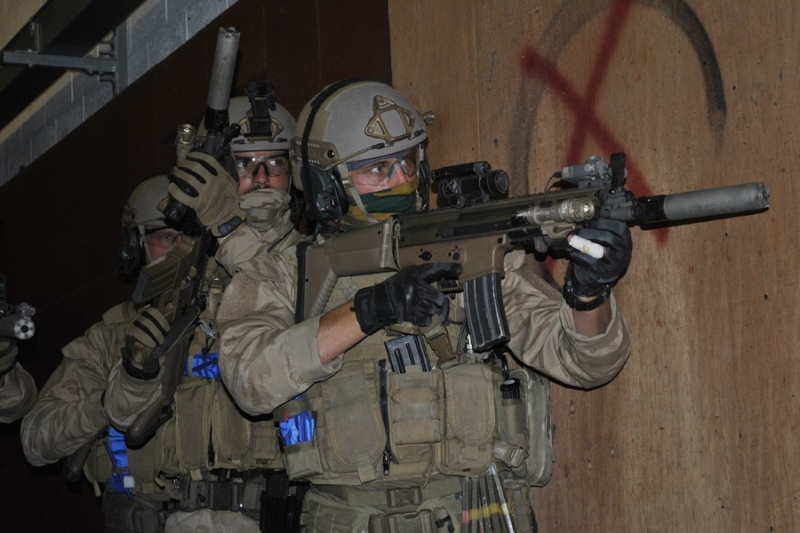 Commandos / Special Forces - Page 4 458