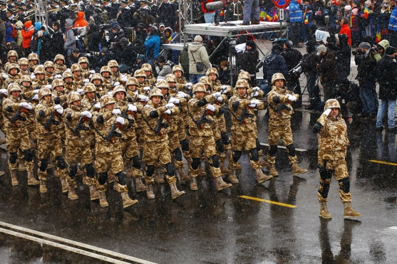 Armée Roumaine/Romanian Armed Forces/Forţele Armate Române - Page 7 843