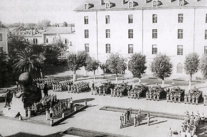 LES DERNIERS INSTANTS DE LA LEGION A BEL-ABBES EN 1962 Ceremo11