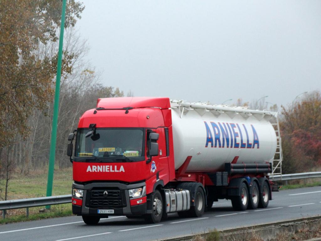 Arniella - Page 2 Img_1117