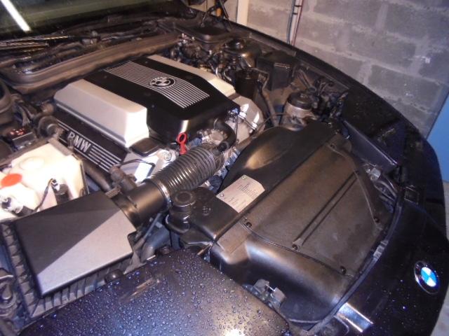 Plastique moteur  Dsc00312
