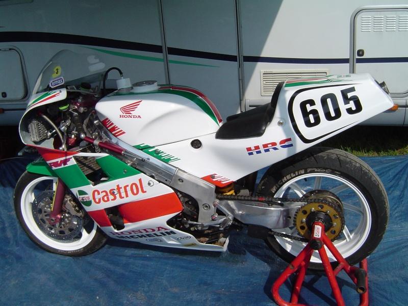 Honda RC 30 - Page 5 Dsc03110