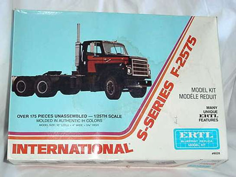 Ertl International S-series F-2575 1:25 01_10