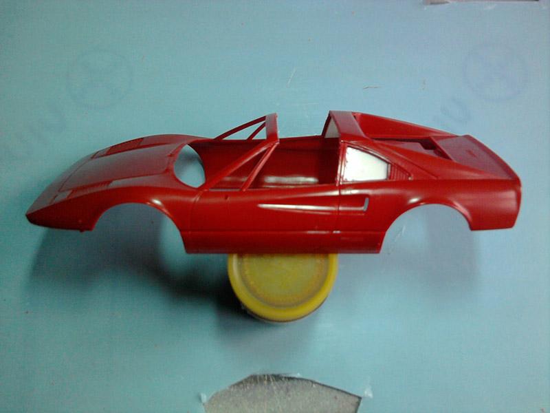 Revell Ferrari 308GTS 1:24 part 2 13_10