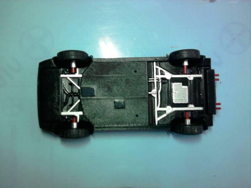 Revell Ferrari 308GTS 1:24 part 2 14_10