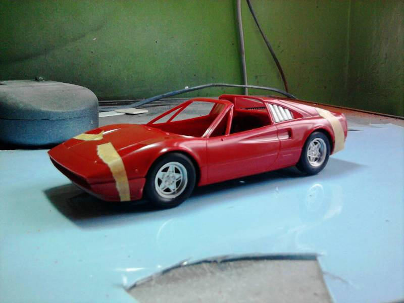 Revell Ferrari 308GTS 1:24 part 2 17_10