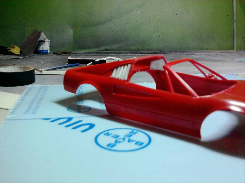 Revell Ferrari 308GTS 1:24 part 2 21_12