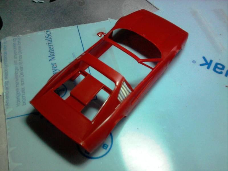 Revell Ferrari 308GTS 1:24 part 2 22_11