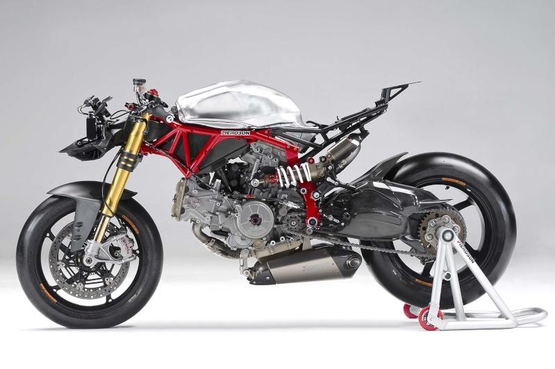 LC4 640 Racer... en 3D !!  - Page 2 Pierob10