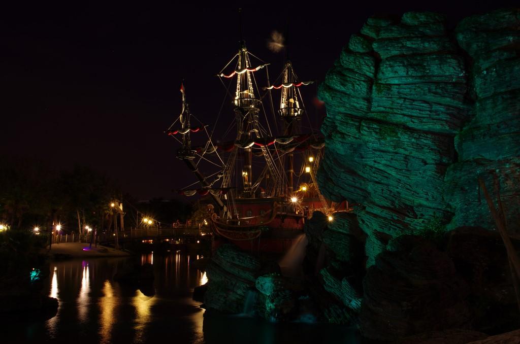 Vos photos nocturnes de Disneyland Paris - Page 5 Galion11