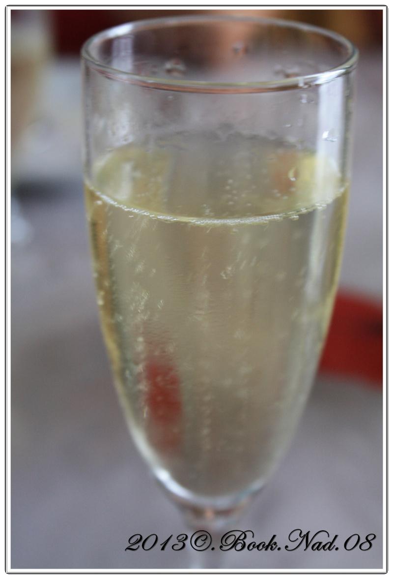 Le champagne Cadre536