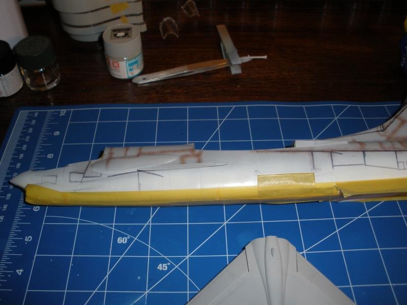 F-8E Crusader Hasegawa 1/48. - Page 2 Pc060311