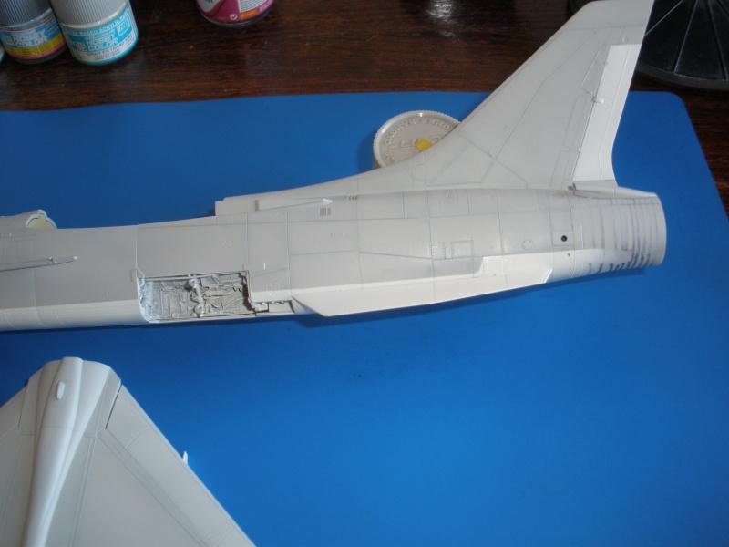 F-8E Crusader Hasegawa 1/48. - Page 2 Pc070312