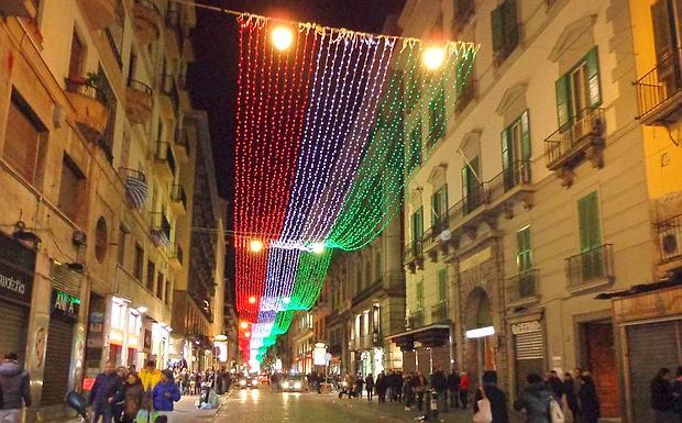 Luminarie natalizie in Italia e all'estero Luci1-10