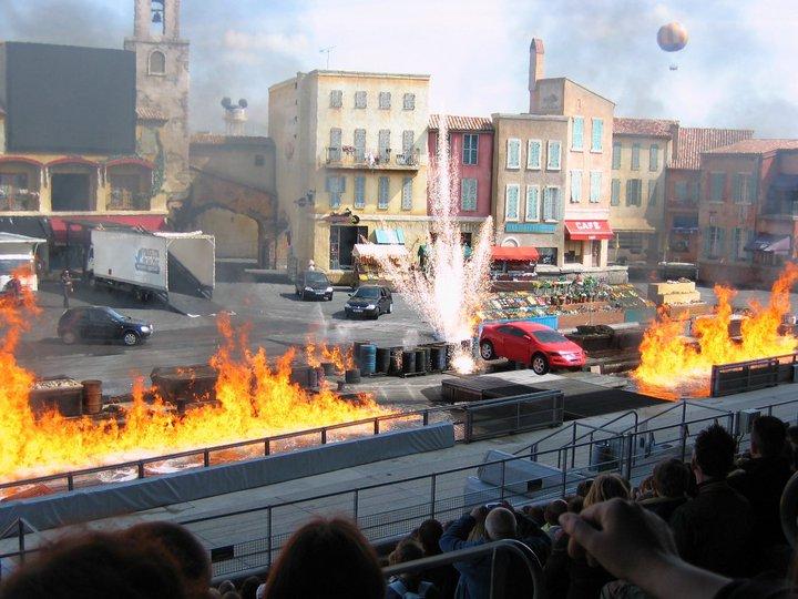 Moteurs… Action ! accueille Flash McQueen (à partir du 6 avril 2011) - Page 15 2009-011