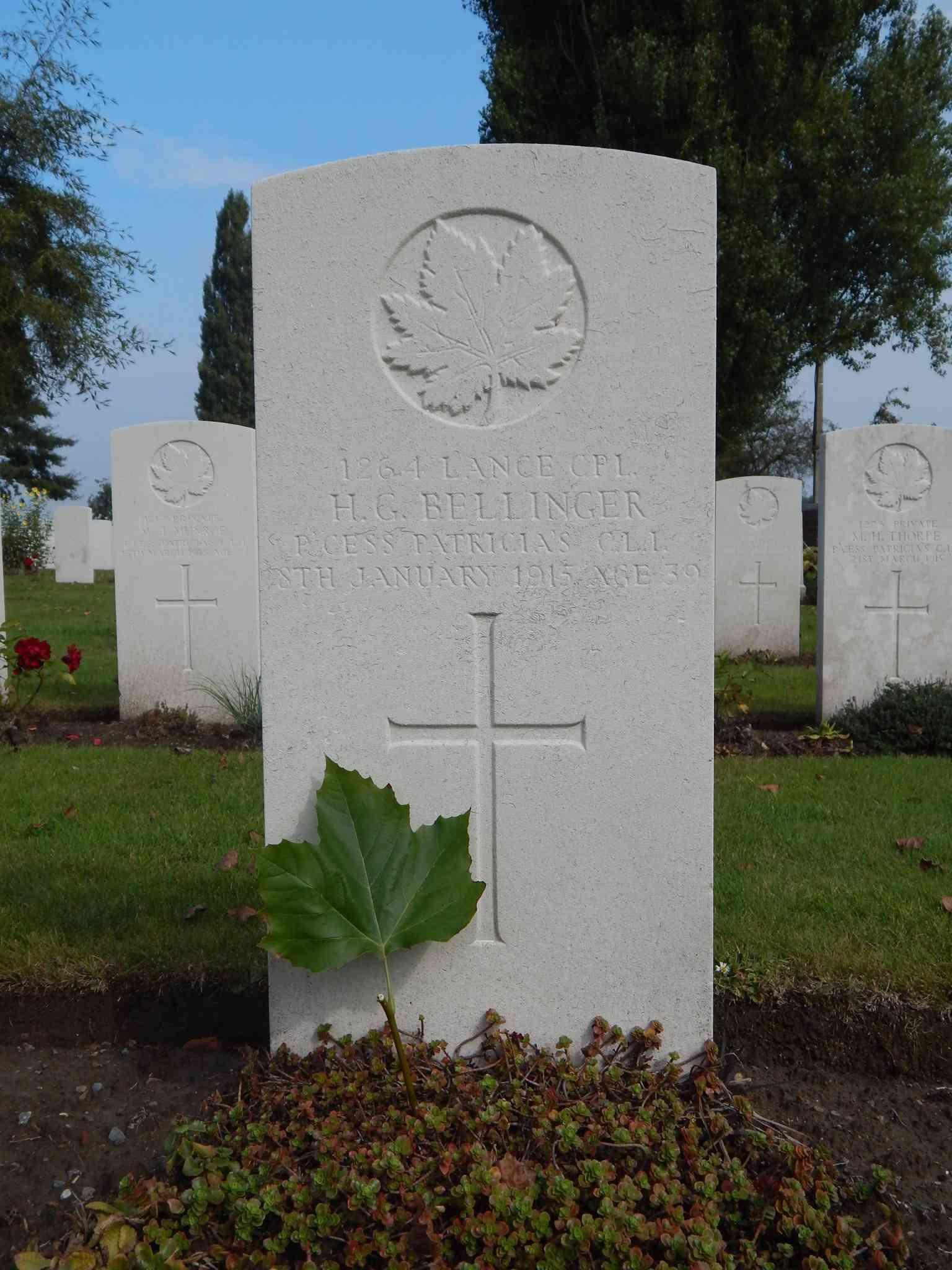 A la découverte des mémoriaux et cimetières militaires - Page 5 Dscn8719
