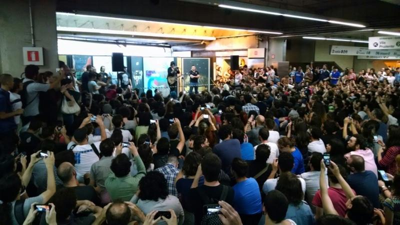 11/27/14 - São Paulo, Brasil, Estação Paraíso do Metro 1117