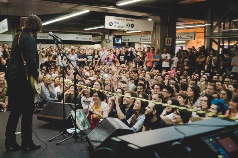 11/27/14 - São Paulo, Brasil, Estação Paraíso do Metro 14110