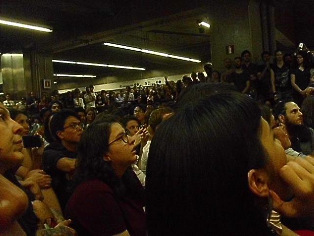 11/27/14 - São Paulo, Brasil, Estação Paraíso do Metro 1419