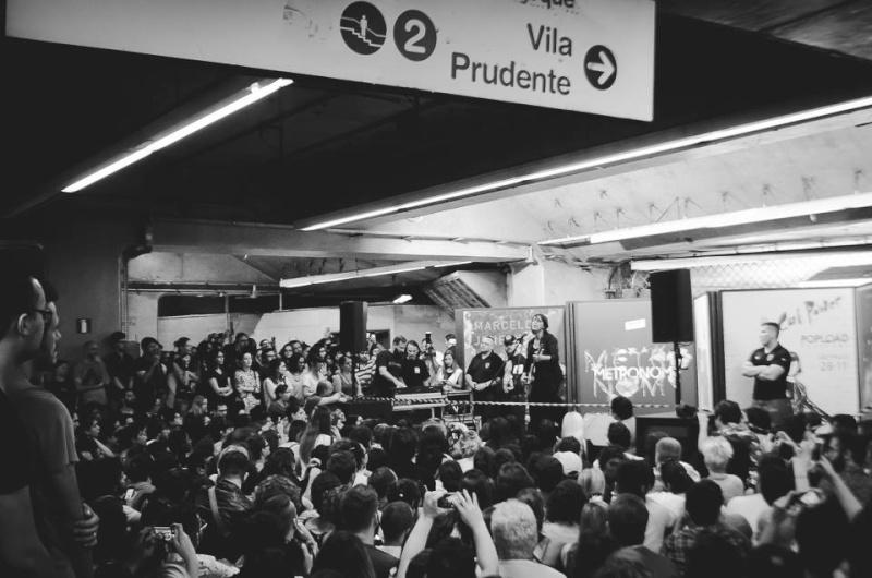 11/27/14 - São Paulo, Brasil, Estação Paraíso do Metro 14210