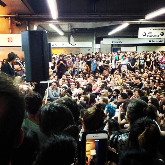 11/27/14 - São Paulo, Brasil, Estação Paraíso do Metro 4911