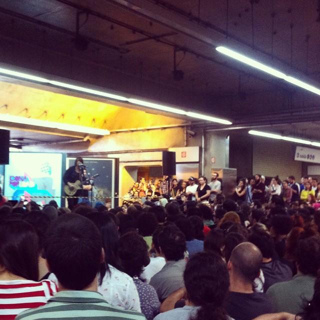 11/27/14 - São Paulo, Brasil, Estação Paraíso do Metro 7010