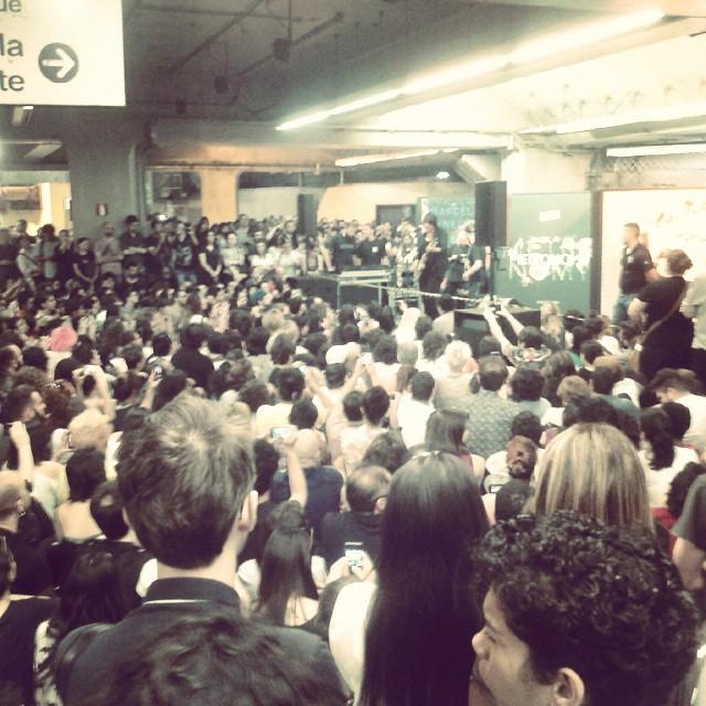 11/27/14 - São Paulo, Brasil, Estação Paraíso do Metro 8310