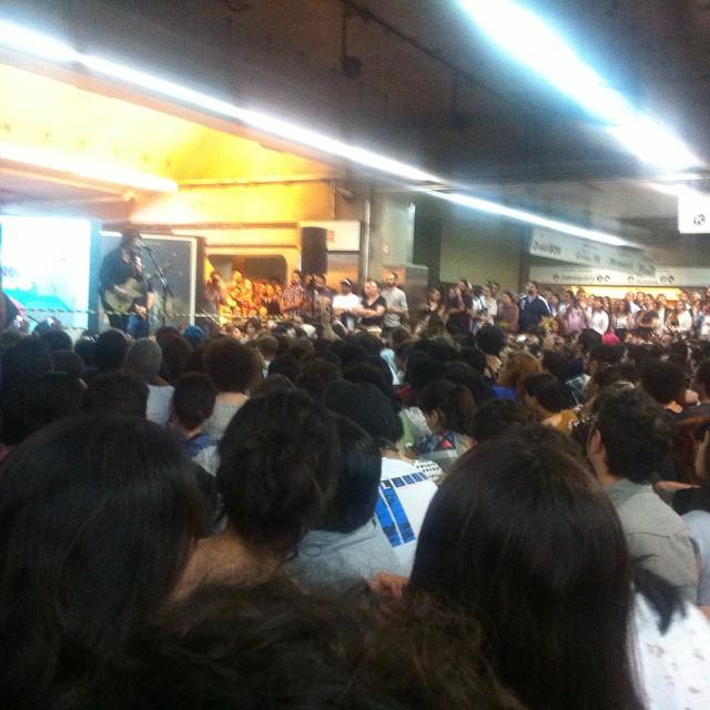 11/27/14 - São Paulo, Brasil, Estação Paraíso do Metro 8710