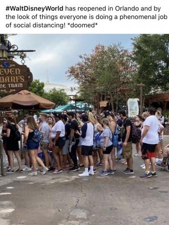 Disneyland Paris ouvert pendant la COVID-19 (juillet-octobre 2020)  F8d19610