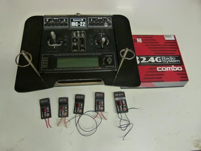 Radiocommande MC22 2.4ghz et 11 récepteurs P1200810