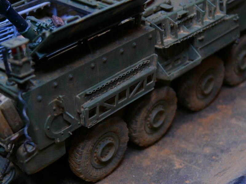 STRYKER M1129 MORTAR CARRIER VEHICLE de TRUMPETER au 1/35 - Page 6 Photo164