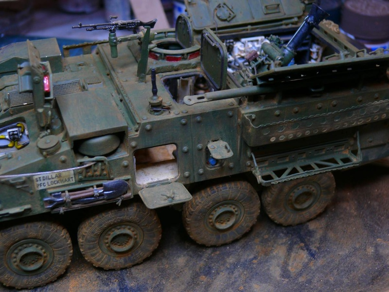 STRYKER M1129 MORTAR CARRIER VEHICLE de TRUMPETER au 1/35 - Page 6 Photo231