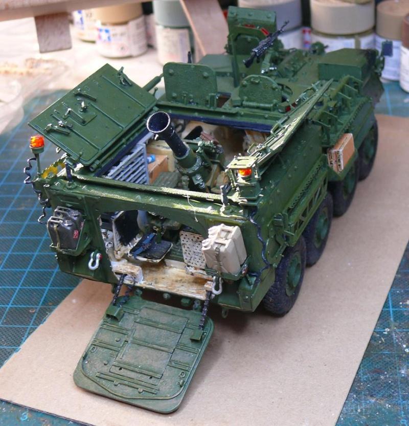 STRYKER M1129 MORTAR CARRIER VEHICLE de TRUMPETER au 1/35 - Page 6 Photo425