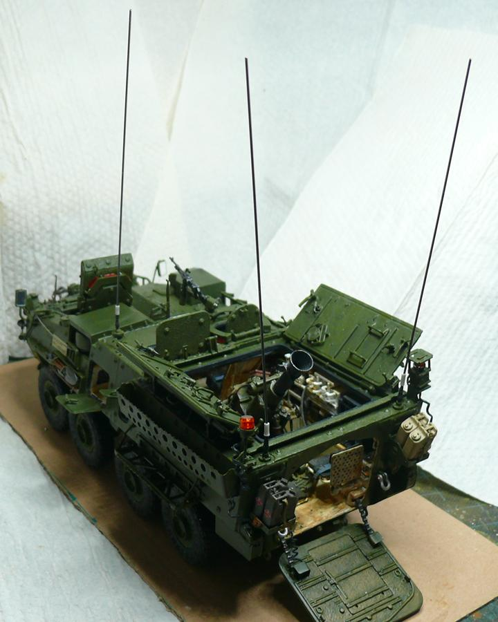 STRYKER M1129 MORTAR CARRIER VEHICLE de TRUMPETER au 1/35 - Page 6 Photo915