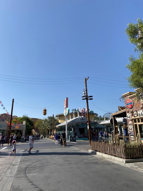 California Dream - Octobre 2019 - Disneyland Ressort à partir de la page 3  - Page 4 Img_0825