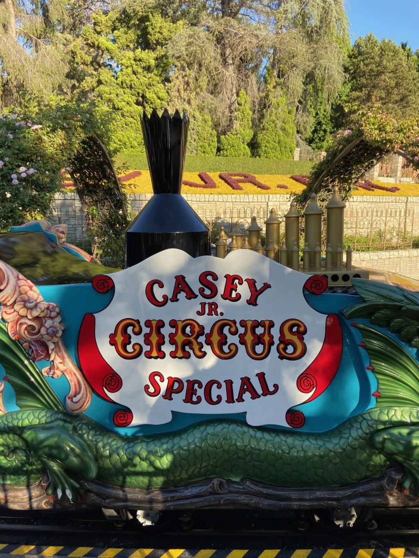 California Dream - Octobre 2019 - Disneyland Ressort à partir de la page 3  - Page 4 Img_1139