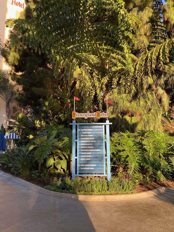 California Dream - Octobre 2019 - Disneyland Ressort à partir de la page 3  - Page 5 Img_1343