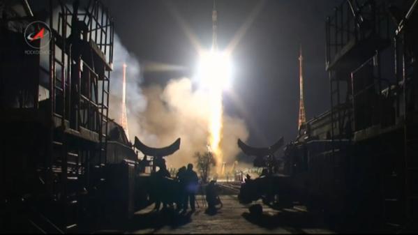Vol spatial de Samantha Cristoforetti / Expedition 42 et 43 - FUTURA / Soyouz TMA-15M B3j6qr10