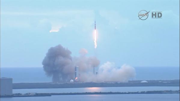 ORION EFT-1 /Premier vol  spatial (5 décembre 2014) B4fytz10