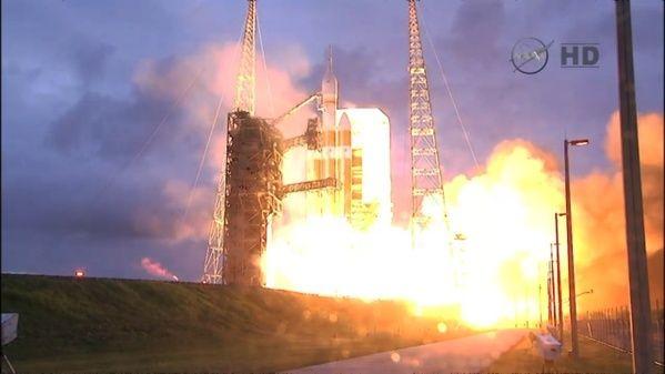 ORION EFT-1 /Premier vol  spatial (5 décembre 2014) Dycoll10